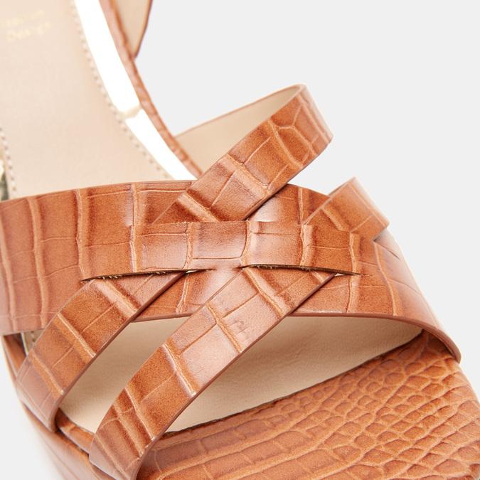 Sandales à talon large et à plateforme bata, Brun, 761-3890 - 26